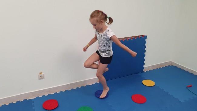 Как расти здоровыми и счастливыми: в СДЦ «Тропарёво-Никулино» начался набор в студию детской йоги